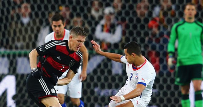 Arturo Vidal: Keeps track of Bastian Schweinsteiger
