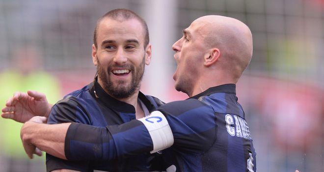 Rodrigo Palacio celebrates his goal