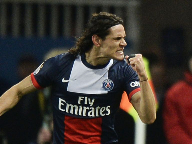 Cavani celebrates for Paris St Germain