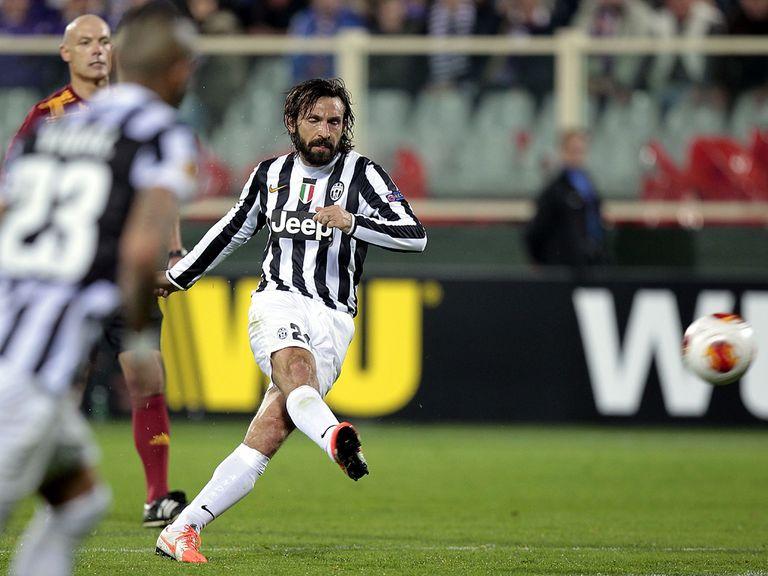 Andrea Pirlo scores Juventus' winner against Fiorentina