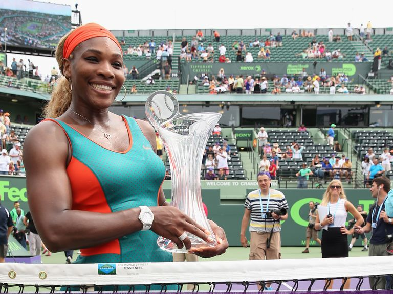 Serena Williams with her trophy