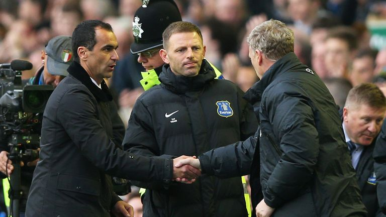 Robrto Martinez and David Moyes shake hands after Everton's 2-0 victory over Manchester United