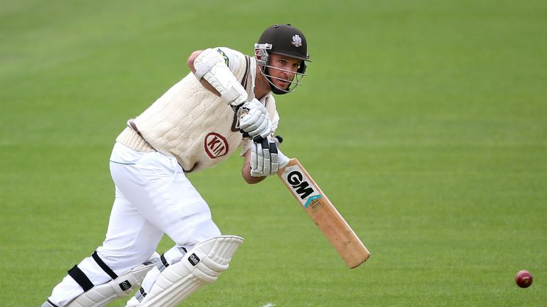 Graeme Smith: Hit 65 as Surrey closed in on Essex's total of 306