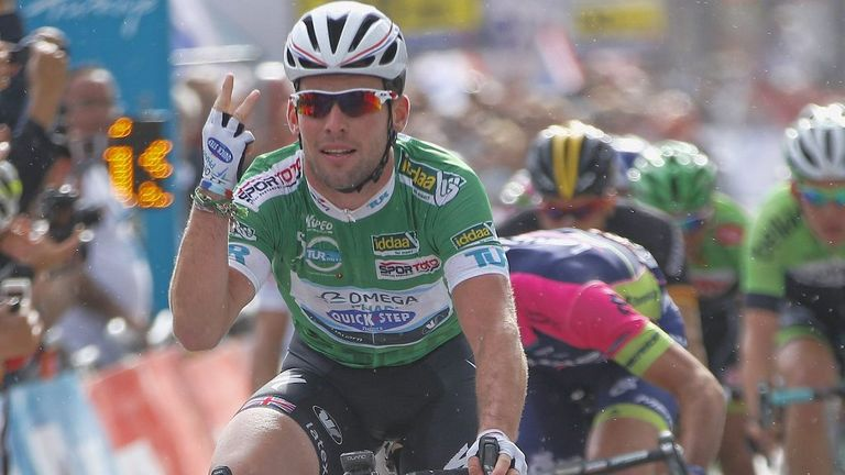 Mark Cavendish sealed his fifth win of the season with ease