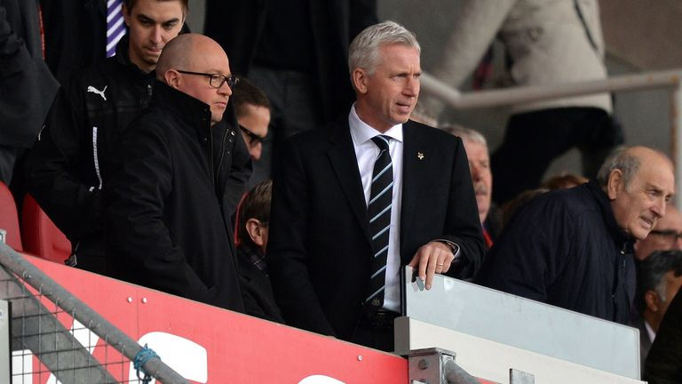 Alan Pardew: Wants a couple of wins