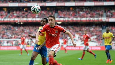 Guilherme Siqueira (r): Believes Atletico can challenge for La Liga title next season