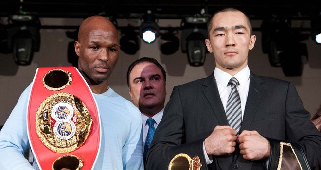 Bernard Hopkins (L) puts everything on the line against Beibut Shumenov