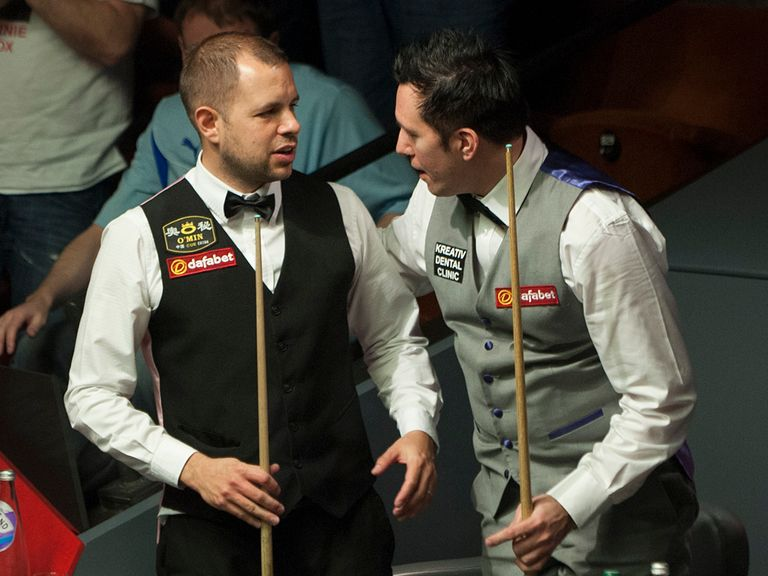 Barry Hawkins beat Dominic Dale in a thriller