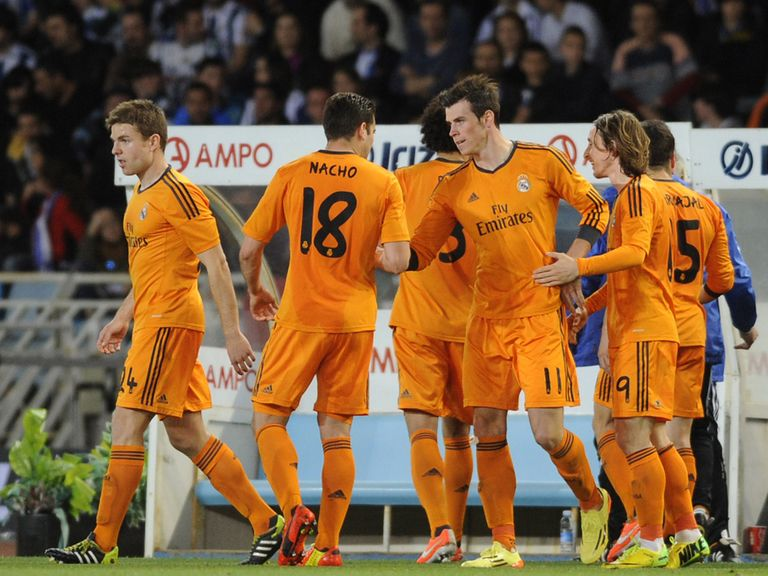 Real Madrid celebrate Gareth Bale's goal