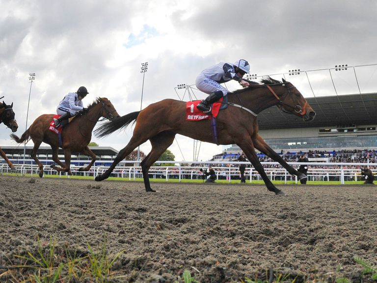 There's floodlit action from Kempton