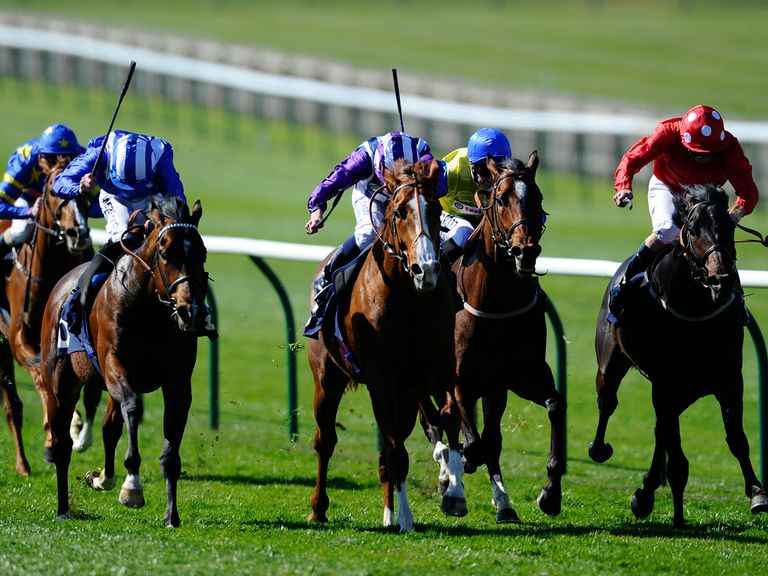 Parbold (r) can win the Sandy Lane Stakes