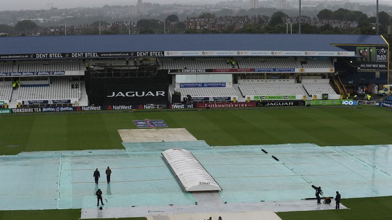 Headingley: More rain forces the abandonment of the Roses clash