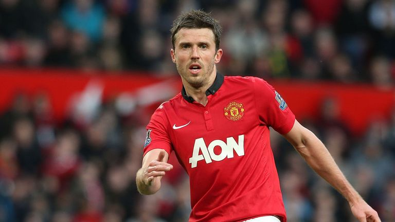 Michael Carrick: Manchester United midfielder faces lengthy lay-off after suffering an injury during training
