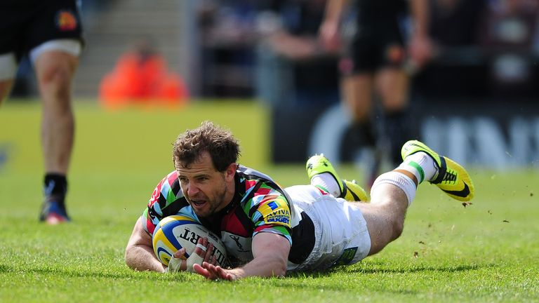 Nick Evans slides over for Harlequins' second try