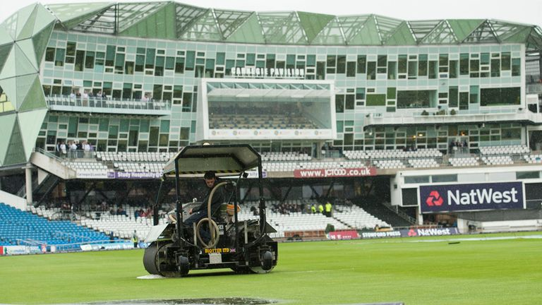 Headingley: Wet outfield held up hosts