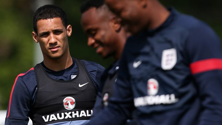 Thomas Ince: England Under-21 winger rejects chance to join Inter