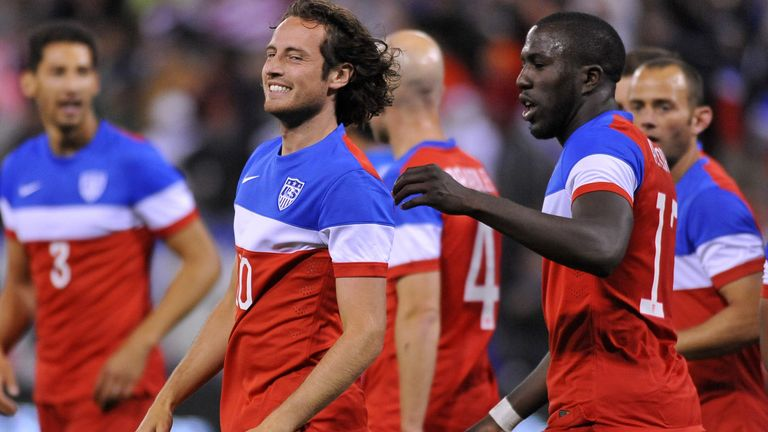 Mix Diskerud: Celebrates his goal for USA