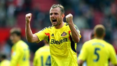 Lee Cattermole celebrates after Sunderland's crucial 1-0 victory at Manchester United