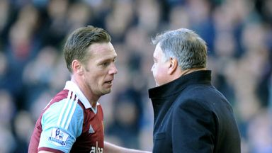 West Ham captain Kevin Nolan has fractured his shoulder