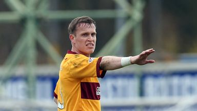 Steven Hammell: Motherwell defender has signed new two-year contract