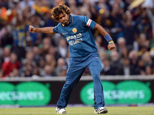 Lasith Malinga celebrates the wicket of Ian Bell