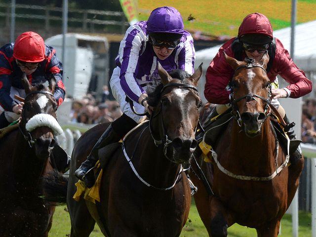 Kingfisher (centre) ridden by Joseph O'Brien wins the The Betfair Cash Out Dee Stakes.