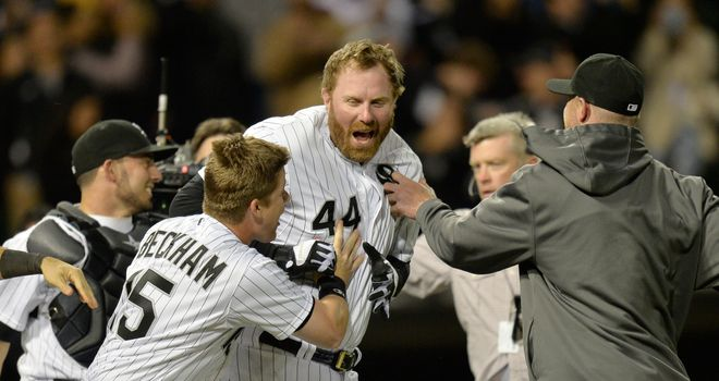 Adam Dunn helped give the White Sox a 6-5 victory over the Yankees