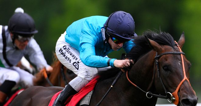 Brown Panther: Second at Longchamp