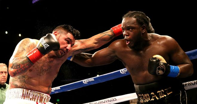 Bermane Stiverne (r) stopped Chris Arreola (l) in the sixth round