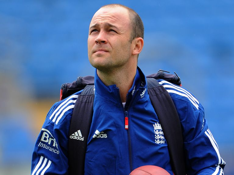 Jonathan Trott: Made 106 for Warwickshire