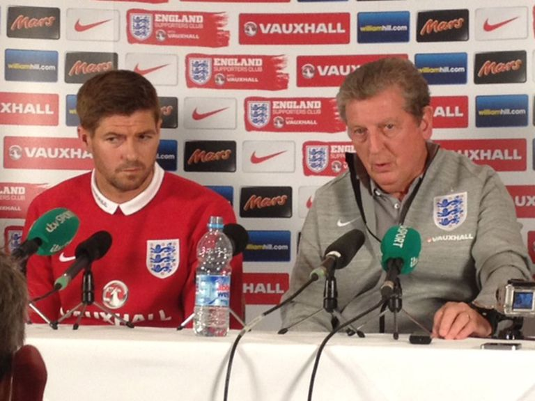 Steven Gerrard (l): England will not hold back