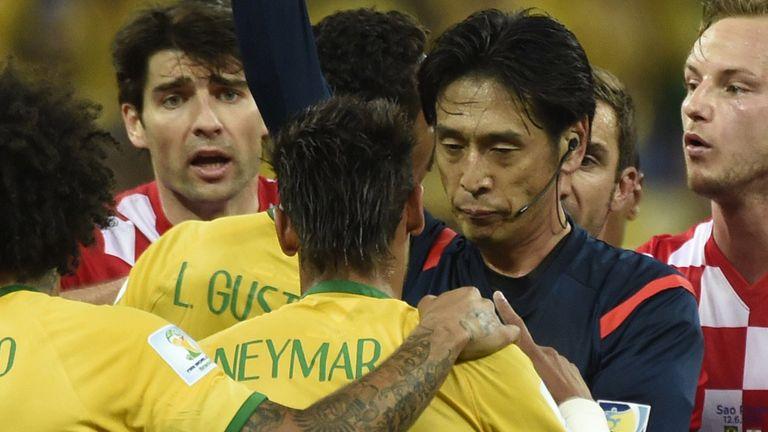 Yuichi Nishimura: Japanese referee defended by FIFA