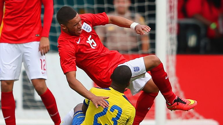 Alex Oxlade-Chamberlain: Suffering from medial knee ligament injury