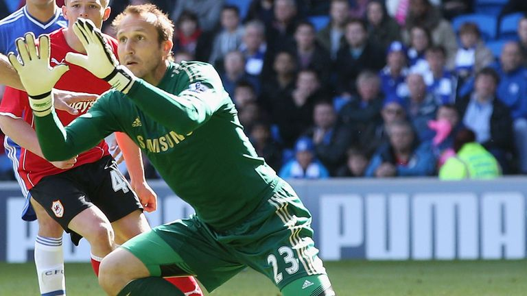 Mark Schwarzer: Goalkeeper hopes to sign new deal with Chelsea