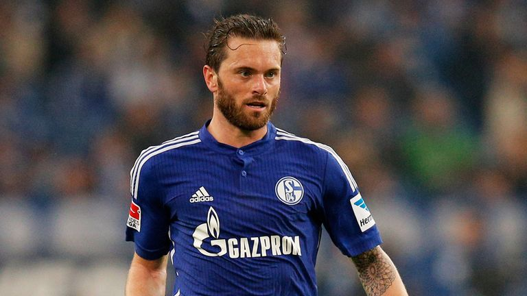 Tim Hoogland: Makes Fulham move