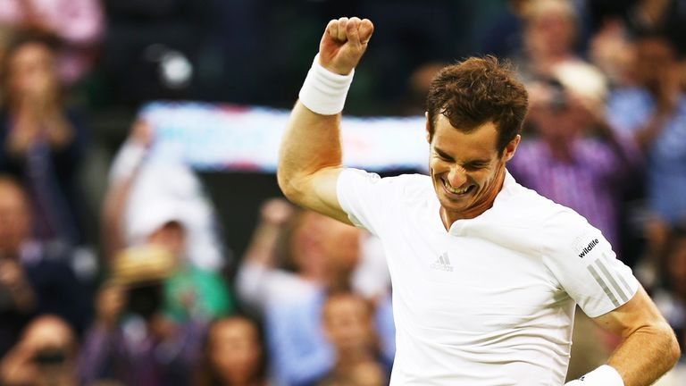 Defending champion Andy Murray has cruised into the quarter-finals