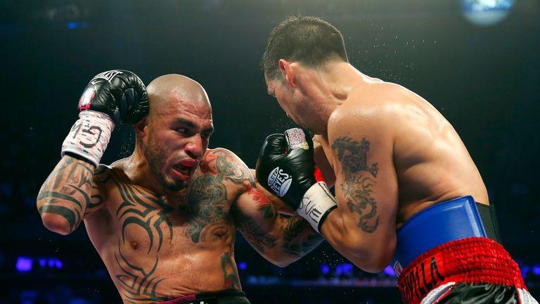 Miguel Cotto battles Sergio Martinez in New York