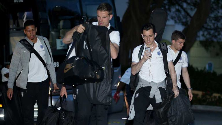 England players arrive in Miami