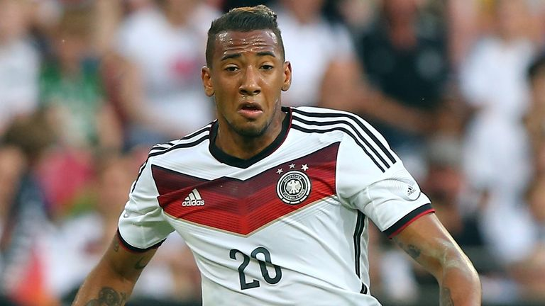 Jerome Boateng: Staying at Bayern, according to Pep Guardiola