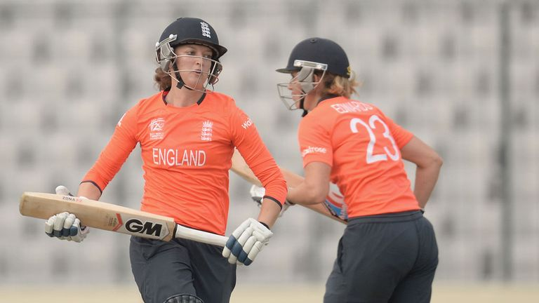 Sarah Taylor and Charlotte Edwards batting for England