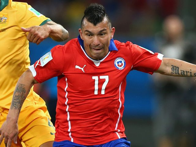 Cardiff-Inter negotiation for Medel is complicated, will need at least another week