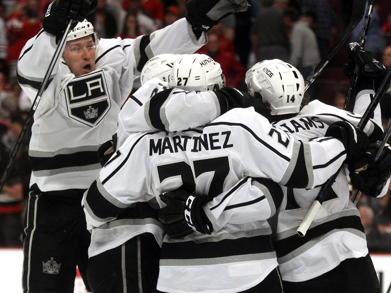 Alec Martinez clinches victory for the Kings