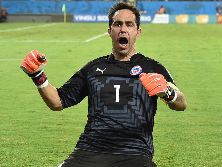Chile's World Cup goalkeeper Claudio Bravo is off to Barcelona