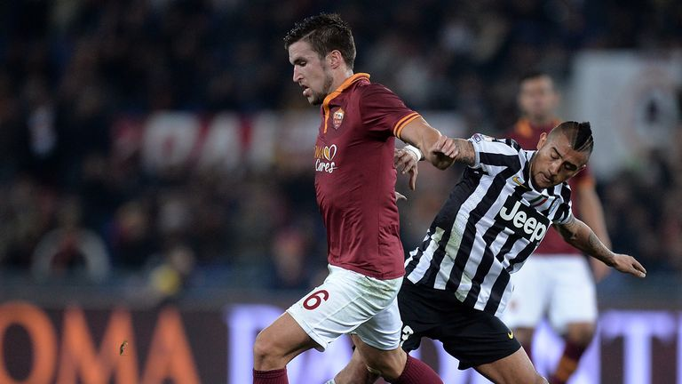 Kevin Strootman: Tangles with fellow Man United target Arturo Vidal
