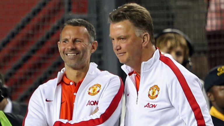 Van Gaal (r): With Ryan Giggs at FedEx Field