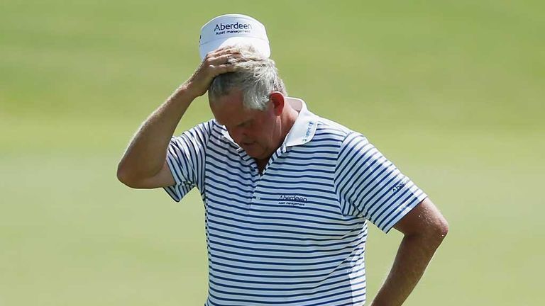 Colin Montgomerie: Disappointing Saturday for Scot