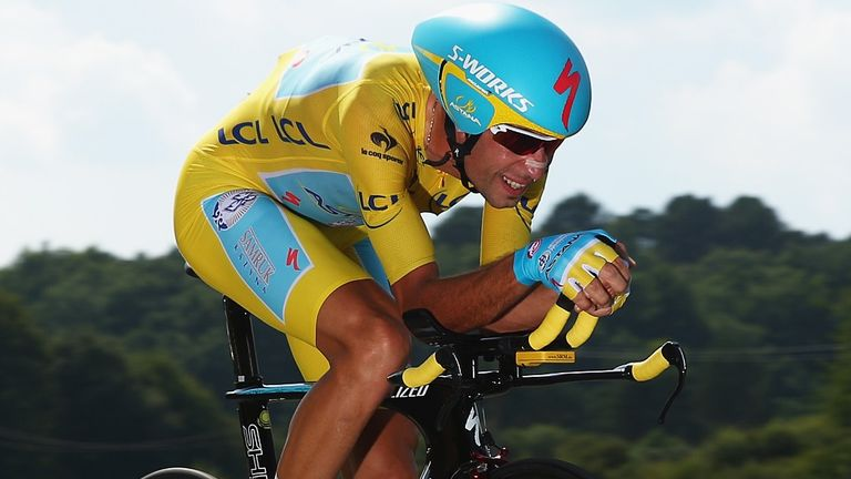 Vincenzo Nibali extended his overall lead by finishing fourth on stage 20