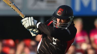 Matthew Boyce - new contract with Leicestershire