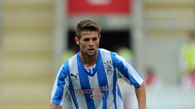 Oliver Norwood: Makes Reading move