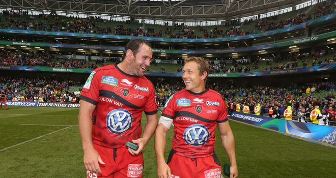 Carl Hayman (left) replaces Jonny Wilkinson (right) as Toulon captain
